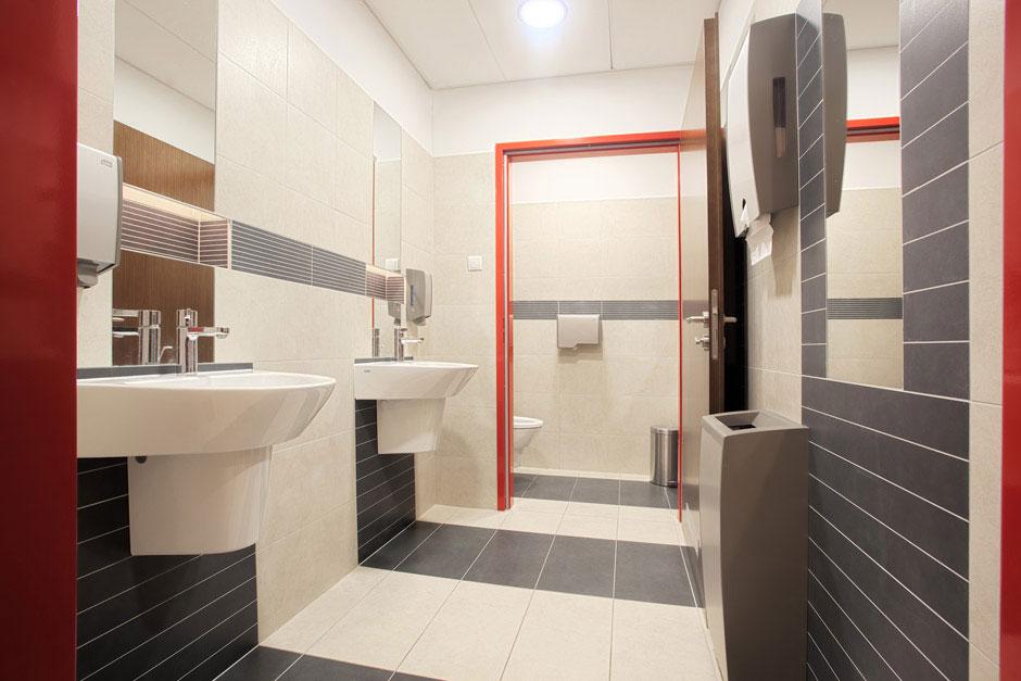 Projekt wnętrz Intersport - Projekty Toalet