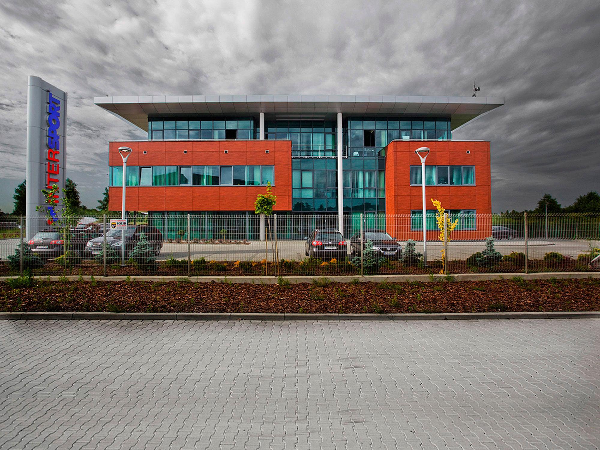 Architekci APA Zalewski Bubak - Projekt budynku biurowego i hali Intersport